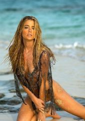 Nahá Denise Richards. Fotka - 11