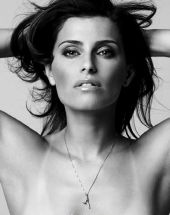 Nahá Nelly Furtado. Fotka - 1