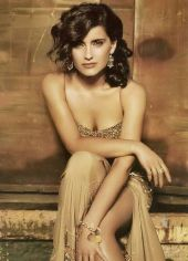 Nahá Nelly Furtado. Fotka - 4
